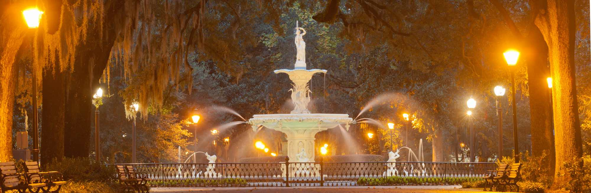 The fountain in Forsyth Park, Savannah, at night.