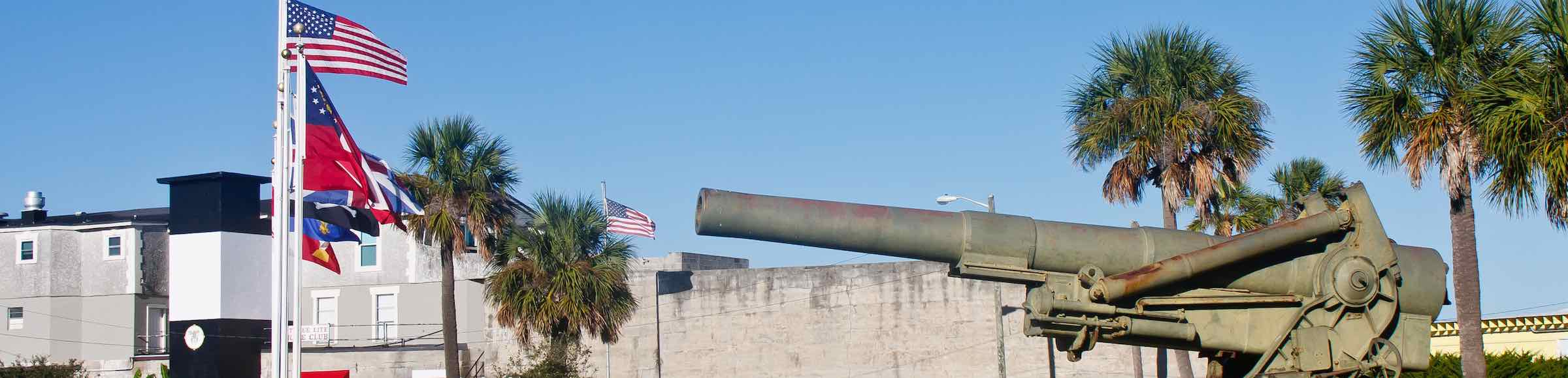 Modern artillery in front of the decommissioned Fort Screven, Tybee Island, GA.